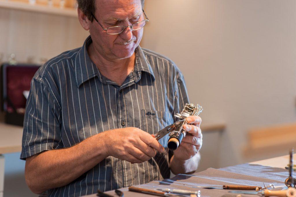 Reparatur einer Klarinette