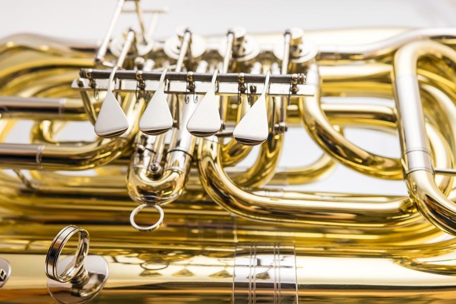Tuba B - Cerveny Detail